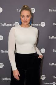 Iskra-Lawrence-celebrity-hair-salon-ues-nyc-03