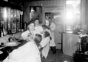 old-hair-salon-history-women-02